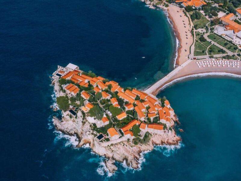 Aman Sveti Stefan, un ancien village de pêcheurs métamorphosé en un haut lieu de villégiature